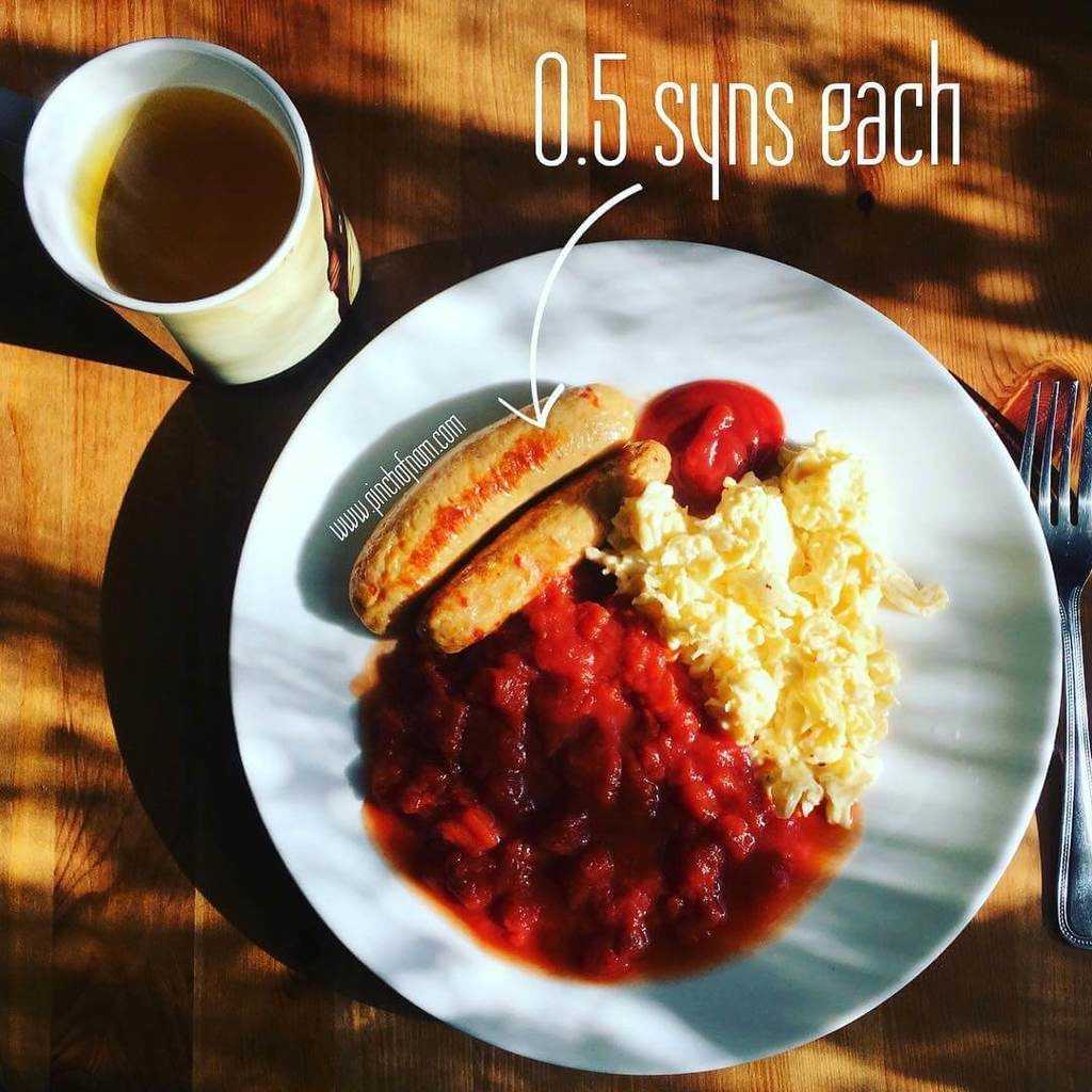 What a start to the day! Sometimes you just have to keep it simple ?? Sausage, scrambled egg and some @ciriouk chopped tomatoes - on the side a @teapigs mint green tea - fabulous! Sausages only .5 of a syn each, it's weigh day tomorrow, so on our best behaviour! #slimmingworld #slimmingworlduk #slimmingworldusa #slimmingworldfamily #slimmingworldmotivation #slimmingworldmafia #slimmingworldjourney #sw #swuk #instafood #breakfast #englishbreakfast #sausages #teapigs #cirio #eggs #scrambledeggs