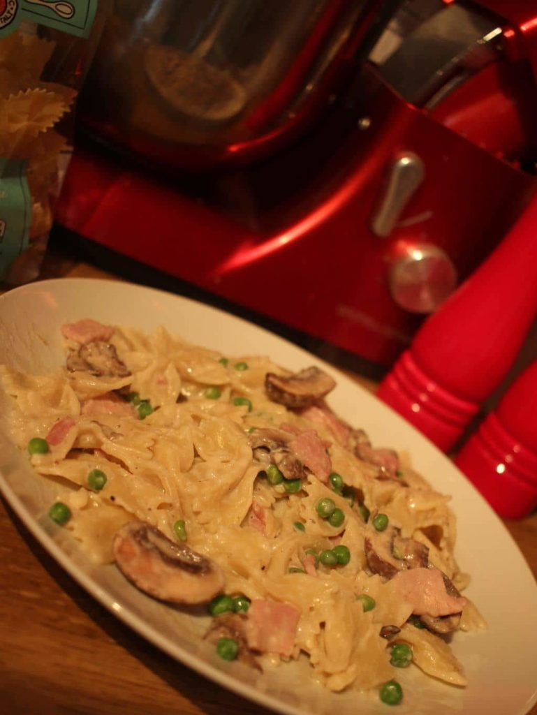 Low Syn Creamy Pasta with Bacon, Peas and Mushrooms